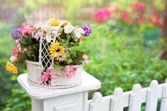 flower-basket-2358827__480